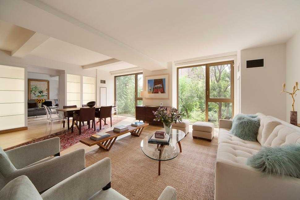 Derek lam scoops up a brand new pad in gramercy park north for Gramercy park nyc apartments