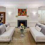 830 Park Ave living room