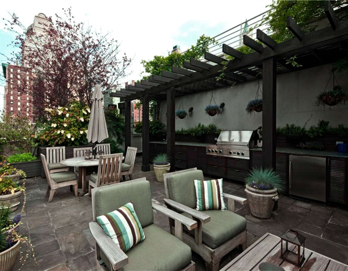 142 Duane Street PH terrace