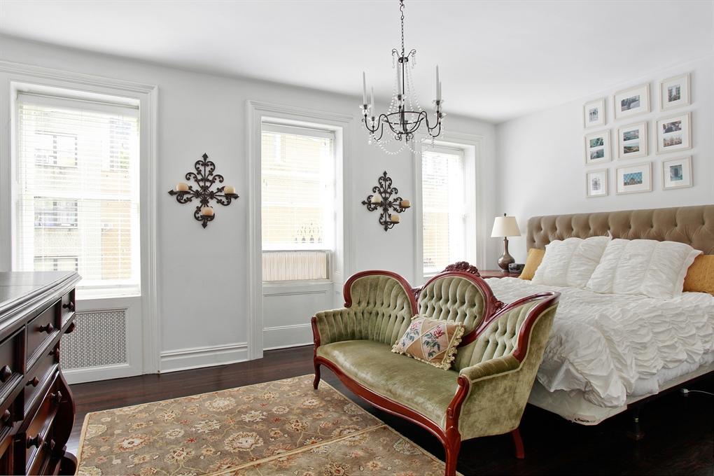 251 East 61st Street Master Bedroom 6sqft