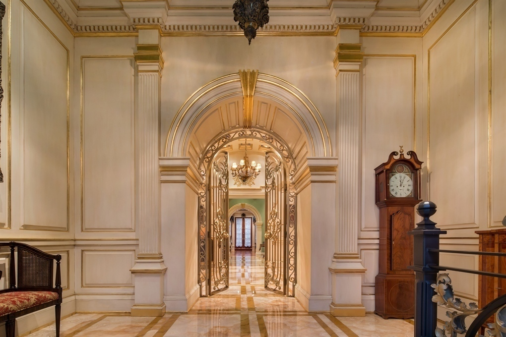 Bookworms rejoice upper east side mansion boasts palatial for Nyc mansions for sale