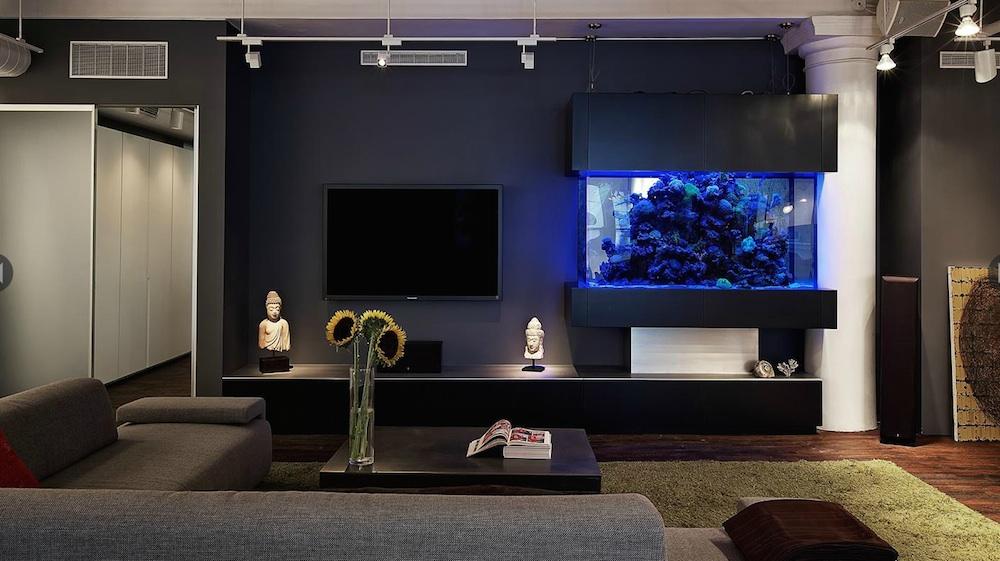 17 West 17th Street #3FL, Contegiacomo and Associates, through-wall aquarium