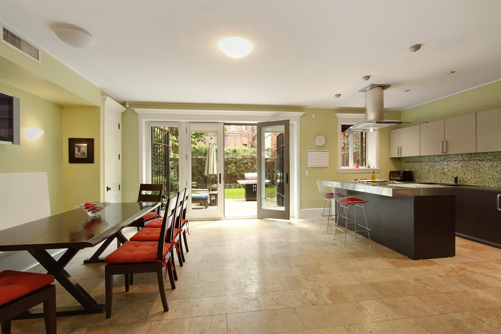Brooklyn carriage houses, modern carriage house, 407 Vanderbilt Avenue, travertine floors