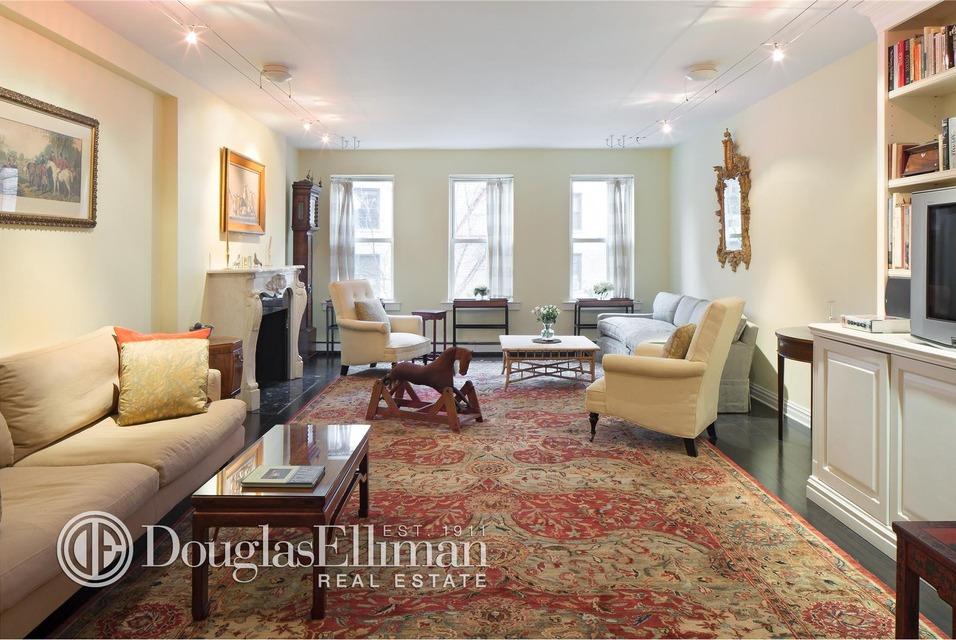 651 Washington Street, NYC rowhouse, west village rowhouse, rowhouse living room
