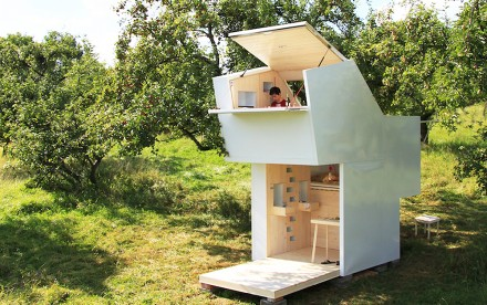Soul Box, studio allergutendinge, small house, wooden house, unfolding windows,