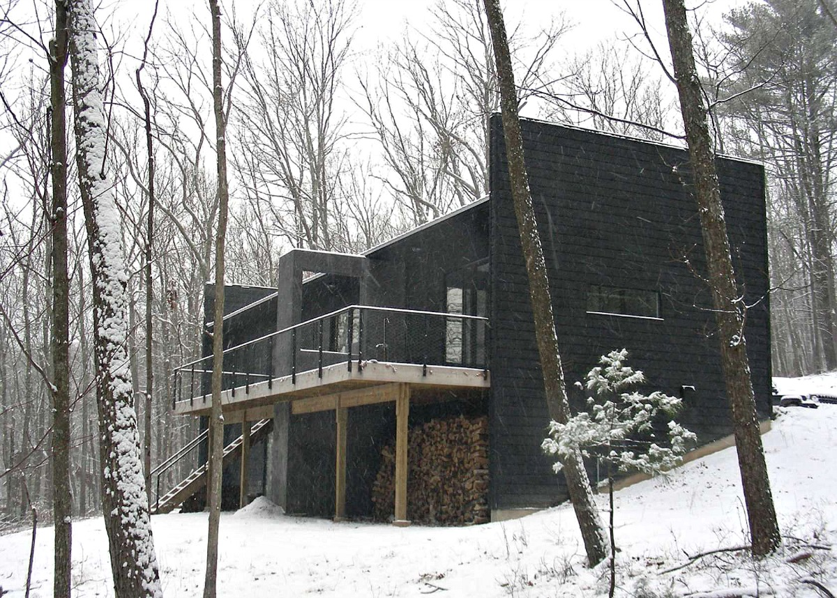 Rlw cabin a modern stone house by shadow architects is for Modern house upstate ny