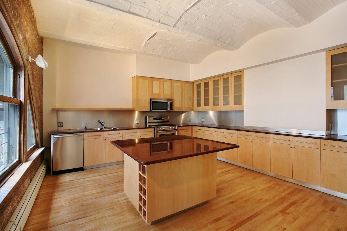 21 Jay Street, Bazzini Building, barrel-vaulted ceilings