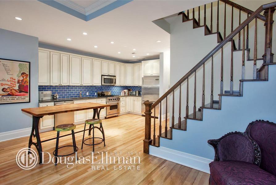 310 EAST 15TH STREET 3B, 310 EAST 15TH STREET, julia stiles, gramercy park apartment