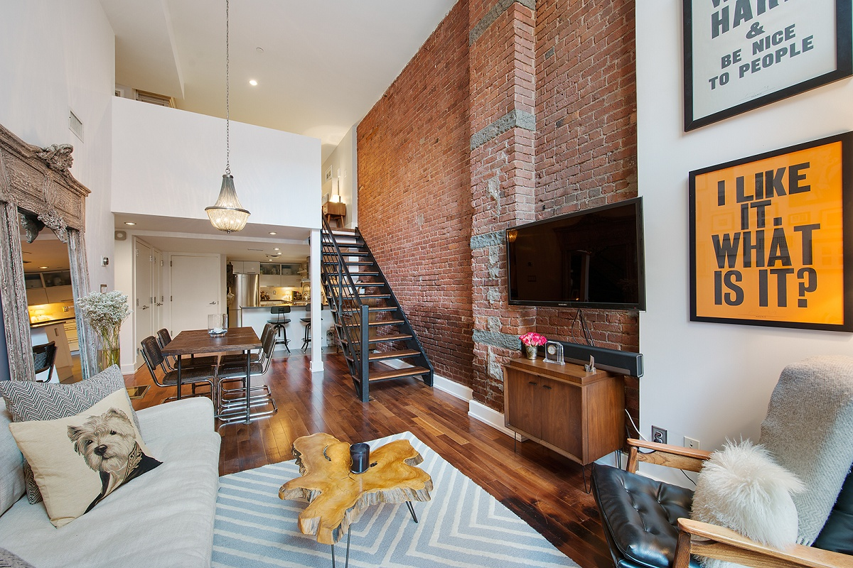 Factory lofts condo in williamsburg offers a two tiered for Design 1 bedroom condo