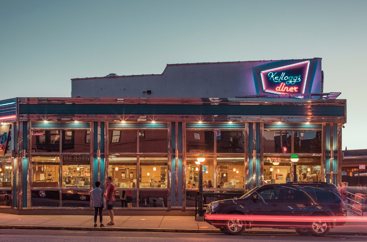 Franck Bohbot, Kellogg's Diner, urban photography, nighttime photography