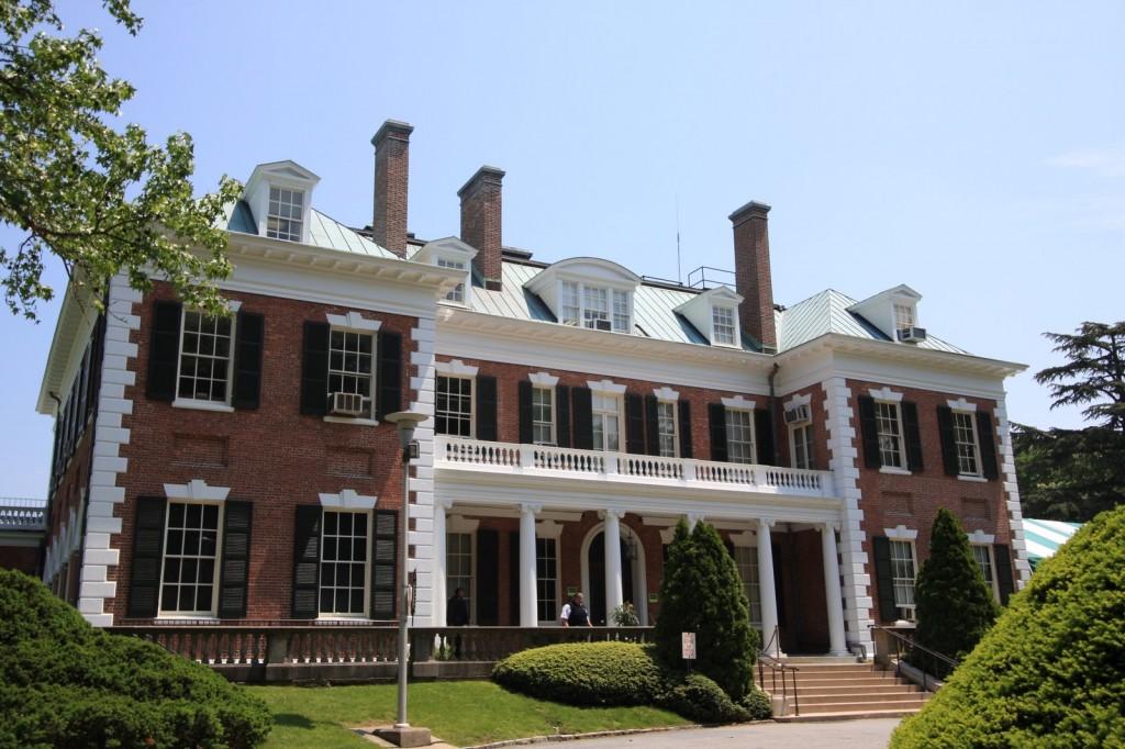 Estates In Long Island