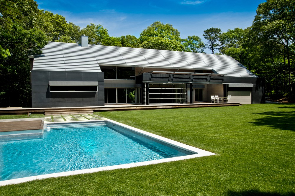 Mojo Stumer 39 S East Hampton Home Is A Contemporary Take On