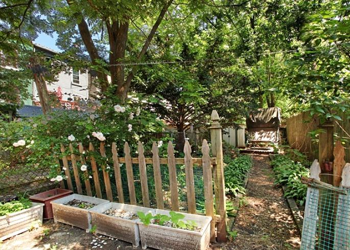 297 Hoyt Street, Christine Chen, Carroll Gardens, Brooklyn brownstone