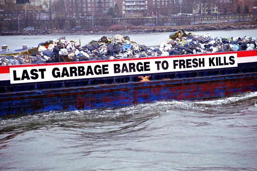 Fresh Kills Landfill, garbage barge