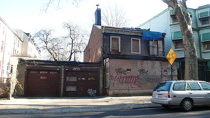 173 St. James Place brooklyn, cat house brooklyn, feral cat house brooklyn