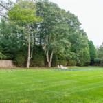 Renee Zellweger Hamptons house-15