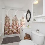 896 Flushing Avenue, Bushwick, Zosia Mamet