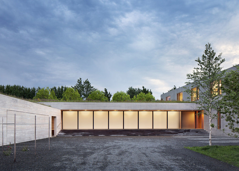 Andrew Berman Architect PLLC, Watermill Residence, Coen + Partners, Geothermal energy, green roof, solar collectors, wood and polished concrete,