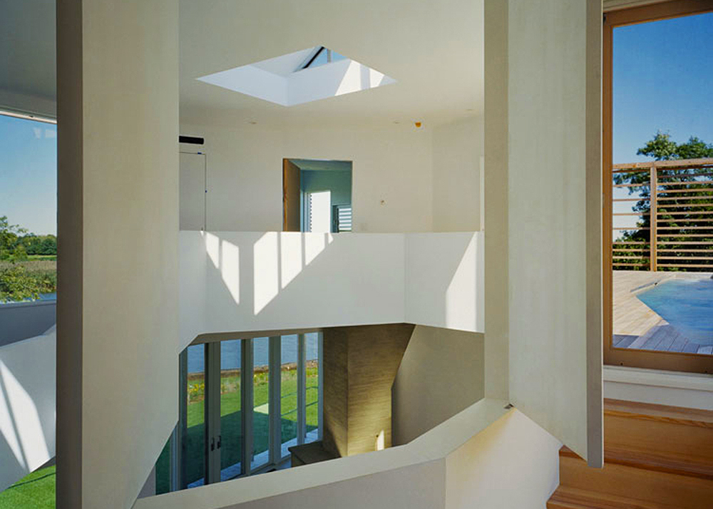 Steven Holl, wooden house, seaside home, Writing With Light House, Jackson Pollock, Long Island, wood and glass