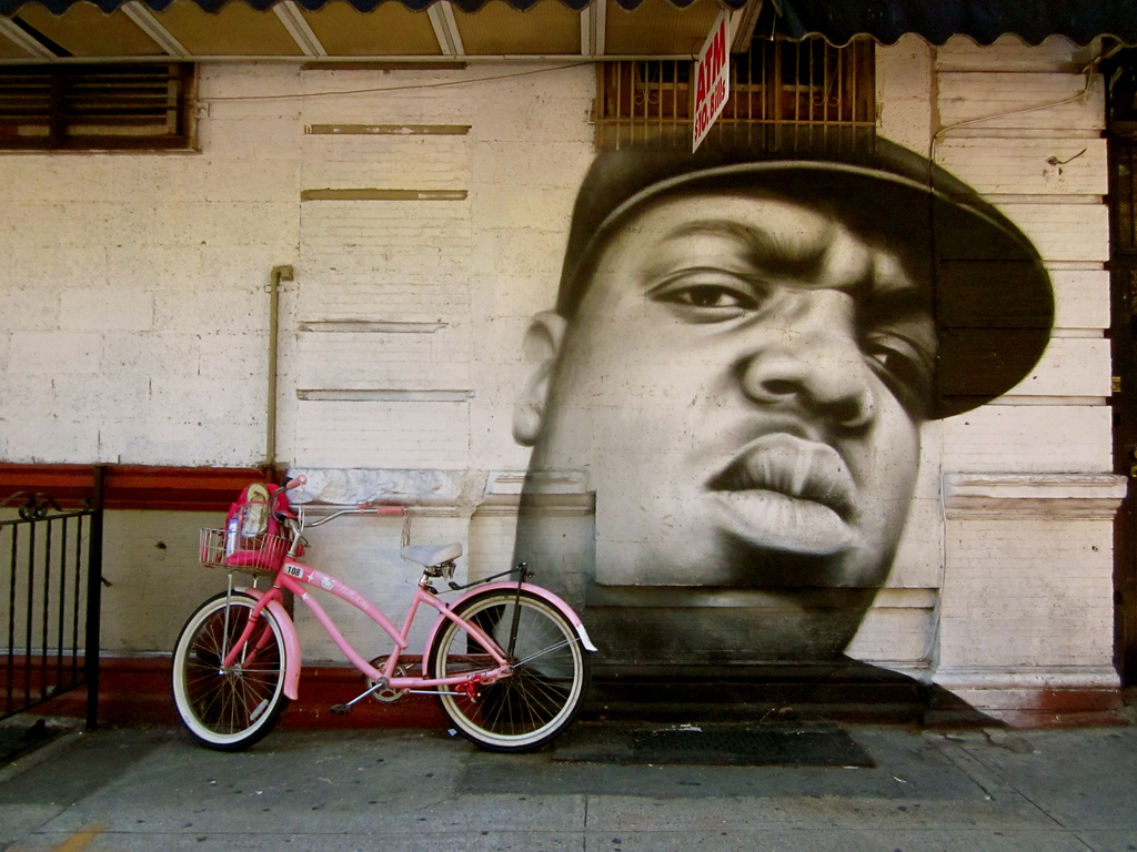 biggie mural in bed stuy on franklin avenue