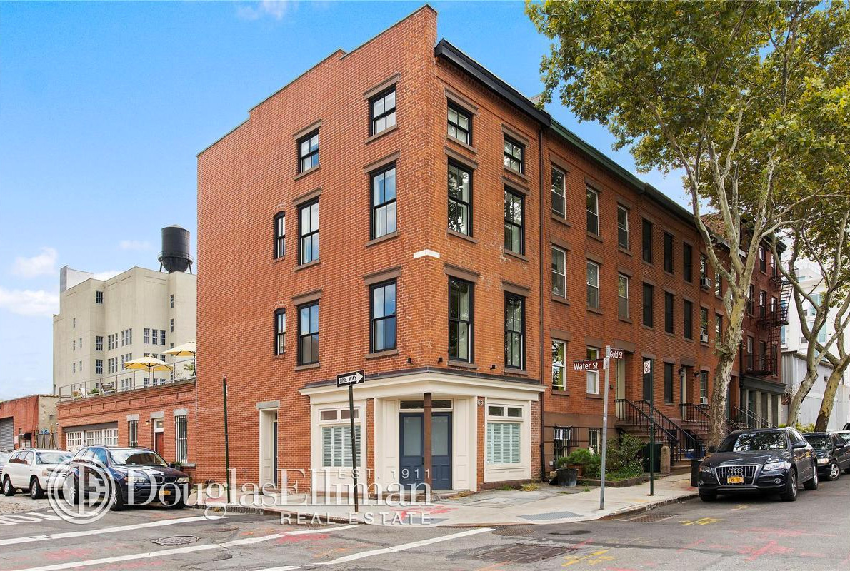 robert pattinson nyc, 69 Gold Street brooklyn, townhouses, robert pattinson nyc, robert pattinson brooklyn, where does robert pattinson live