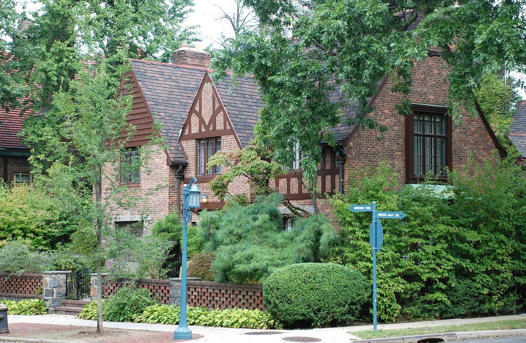 Forest Hills Gardens Apartments