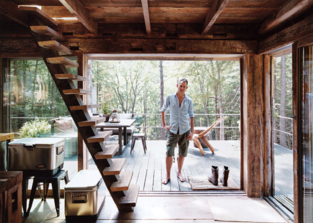 Fashion stylist scott newkirk goes unplugged in his 14 for 14x14 cabin with loft