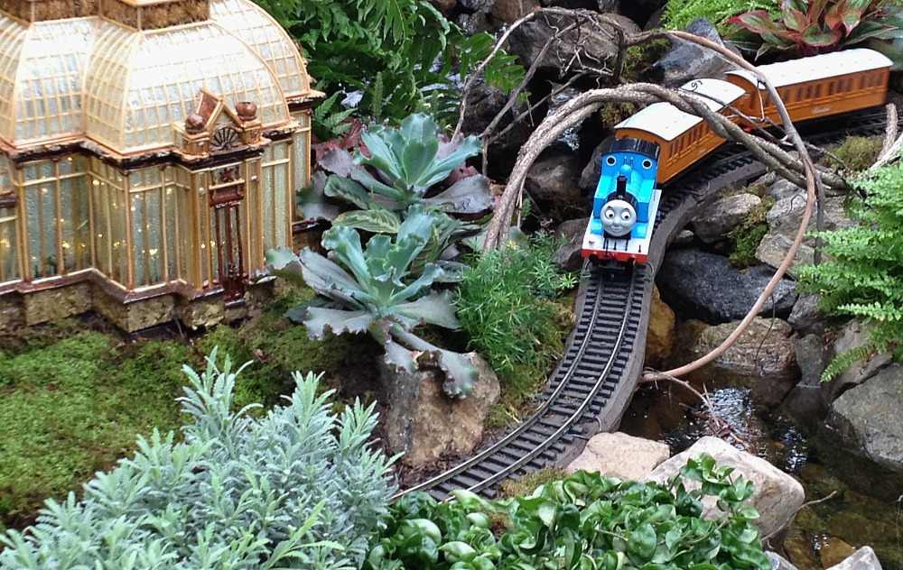 New yorker spotlight all aboard the ny botanical garden 39 s Botanical garden train show