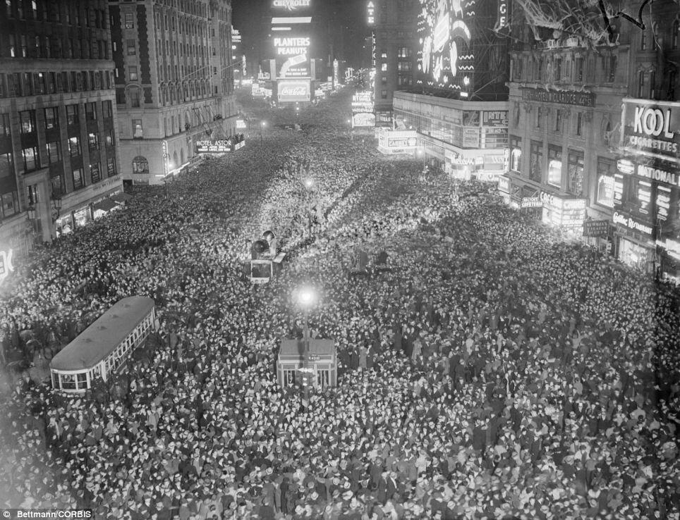 Times Square new year's eve in 1937, Times Square new year's eve historic
