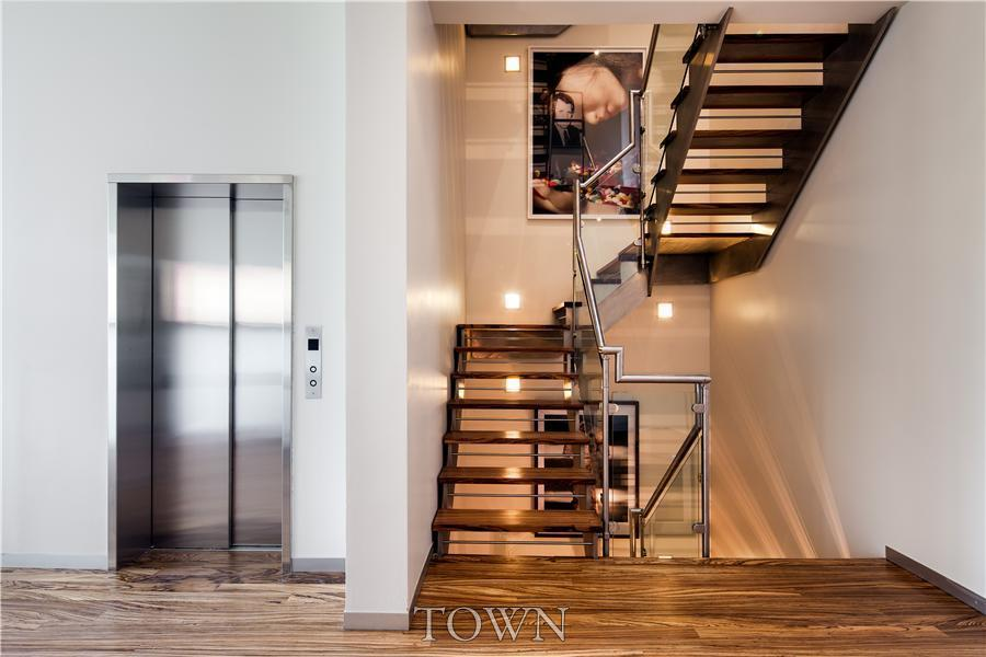 Shoot hoops in this novogratz townhouse for 70k month 6sqft Elevator townhomes