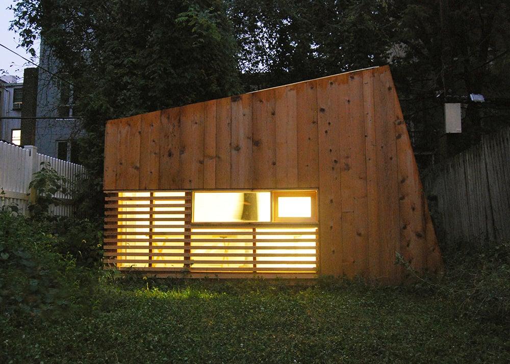 6sqft hunt architecture s wooden brooklyn garden studio for Wooden studios for gardens