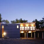 Re4a, Mountain Retreat, on stilts, Catskill Mountains, Kerhonkson, wooden deck, cedar cladding, gray concrete panels, bamboo flooring