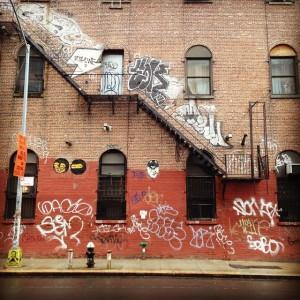 #williamsburg #brooklyn #graffiti #fireescapes