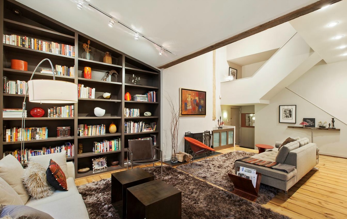 2 2m brooklyn heights loft with gothic style stained for Living room brooklyn 86 st