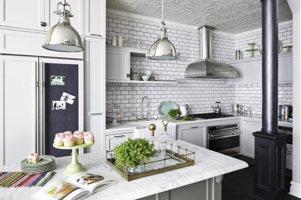 Spacious modern living room interiors - Rob Stuart Interiors Infuses Romantic Turn Of The Century