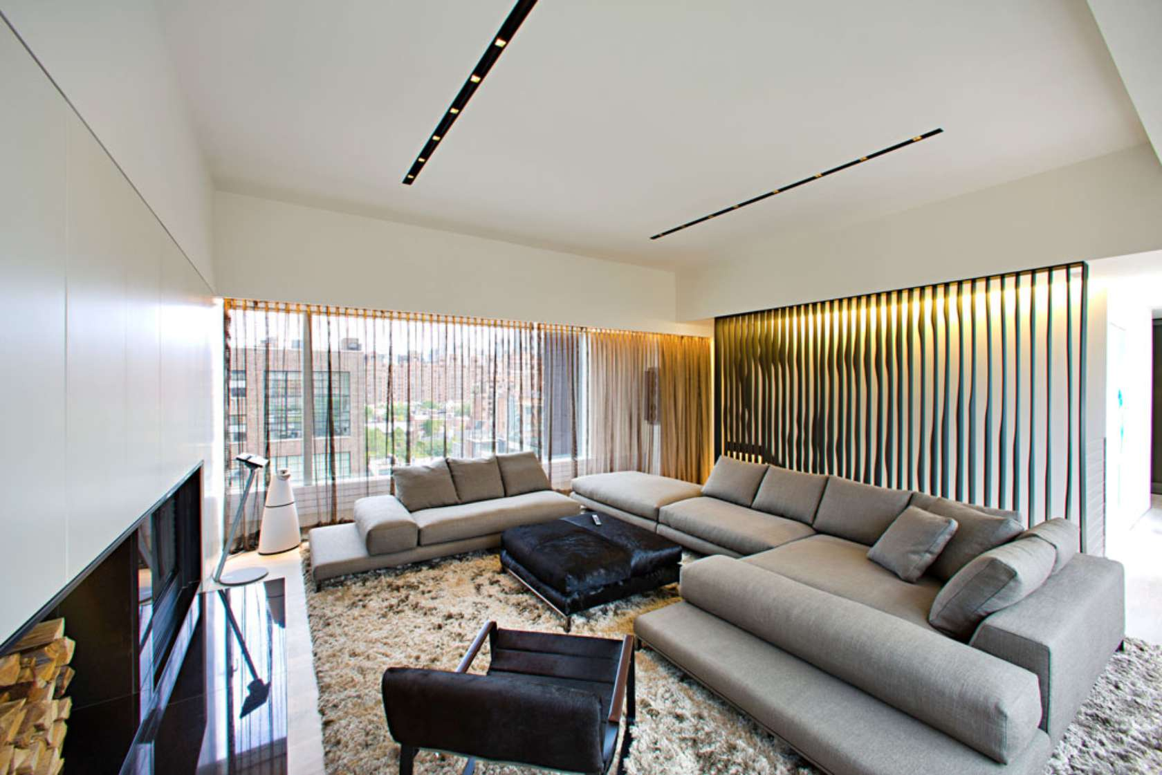 Innocad 39 s ultra modern chelsea penthouse pays homage to for Interior designs new york