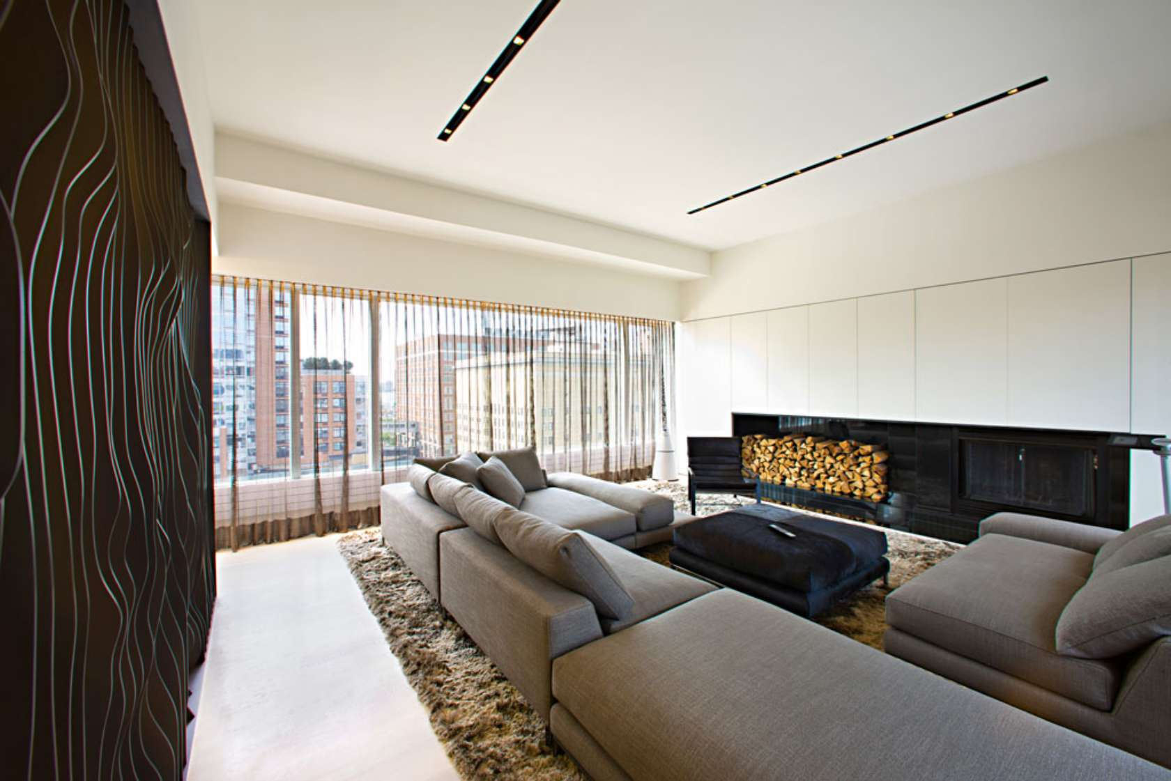 Innocad 39 s ultra modern chelsea penthouse pays homage to for Room design new york