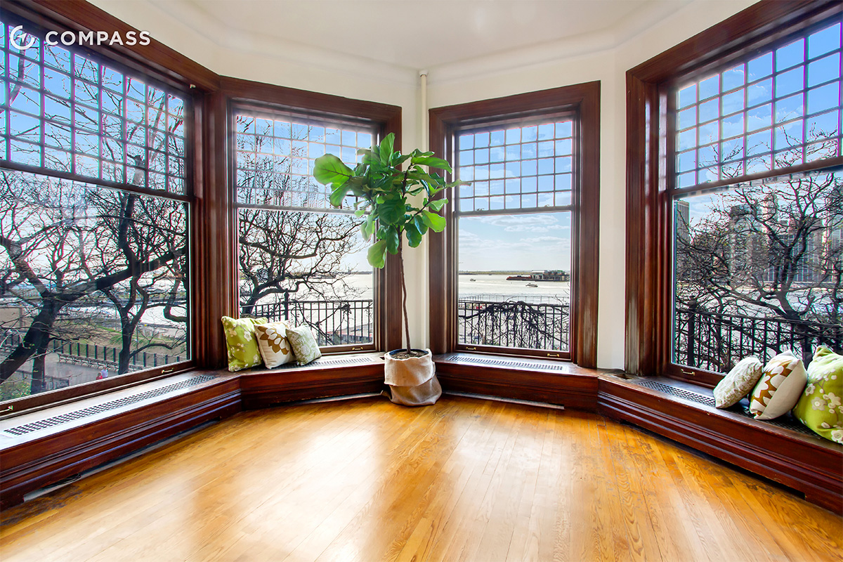 Brooklyn Heights Apartment Has Amazing Windows For Amazing