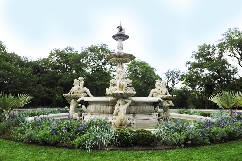 rockefeller fountain bronx zoo