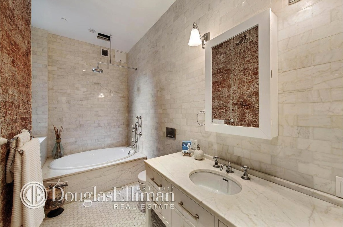 161 Mulberry Street, bathroom, SoHo, rental