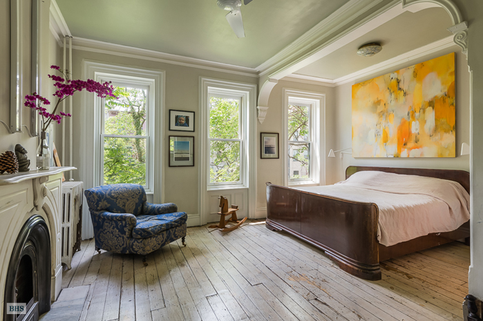 Spend Summer In A Classy Clinton Hill Brownstone For 10k