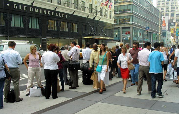 line for the Hampton Jitney
