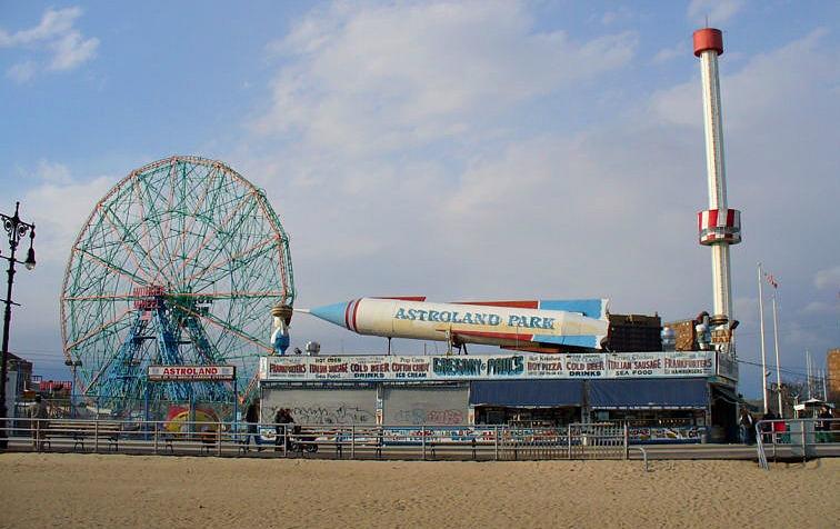 Astroland, Coney Island, Coney Island amusement park, Cyclone