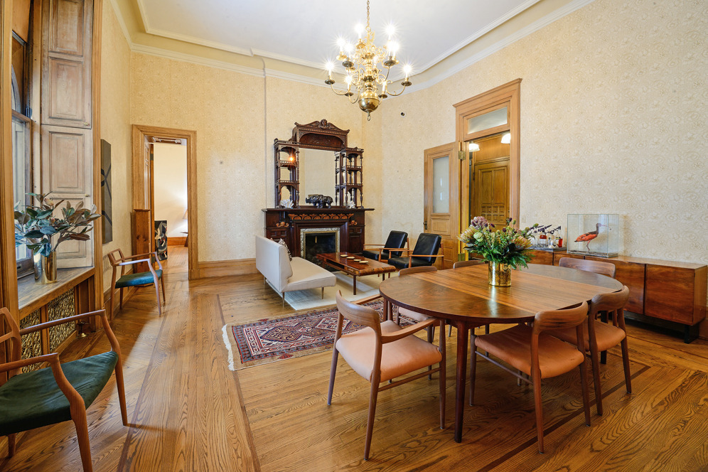Newly listed 3 6m residence at the dakota appears for Living room 6m