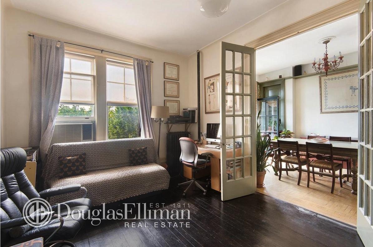 50 Morningside Drive, co-op, living room, classic six