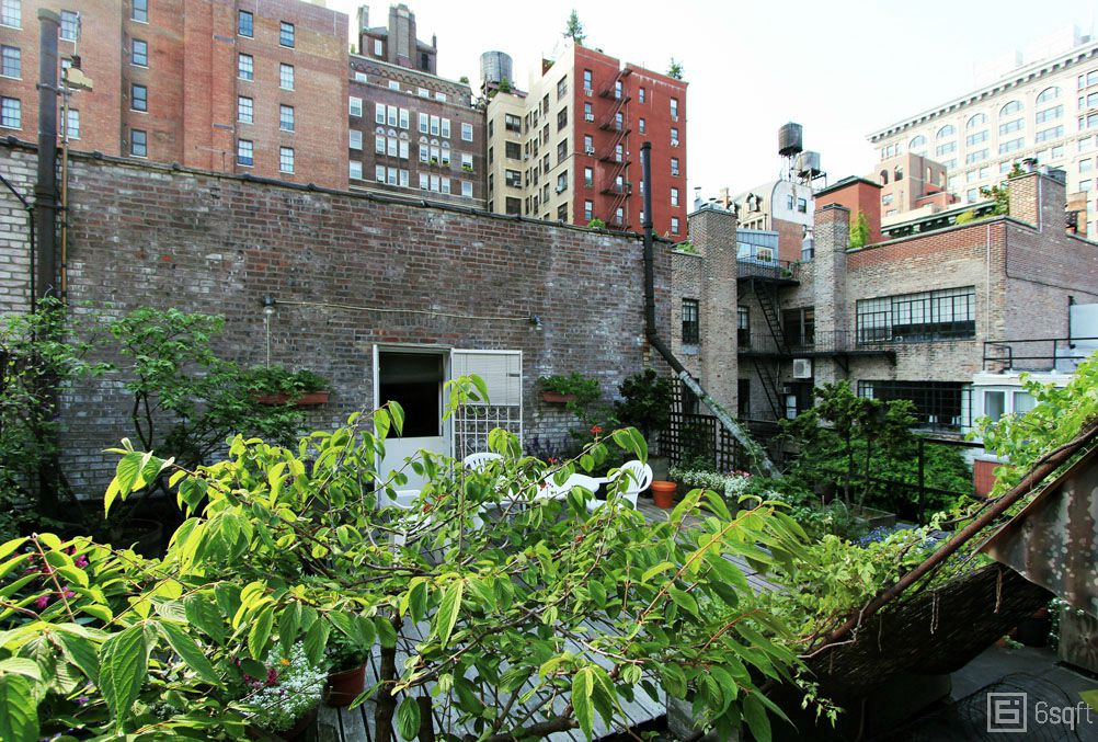 Classic Greenwich Village apartment, homes of interior designers, NYC apartment tours