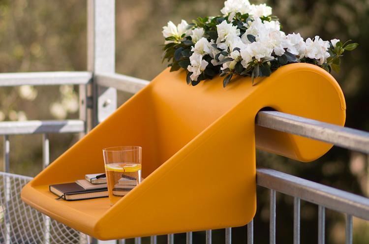 Michael Hilgers, balcony-desk, BalKonzept, outdoors desk, balcony table, Rephormhaus, recyclable polyethylene plastic, colorful design