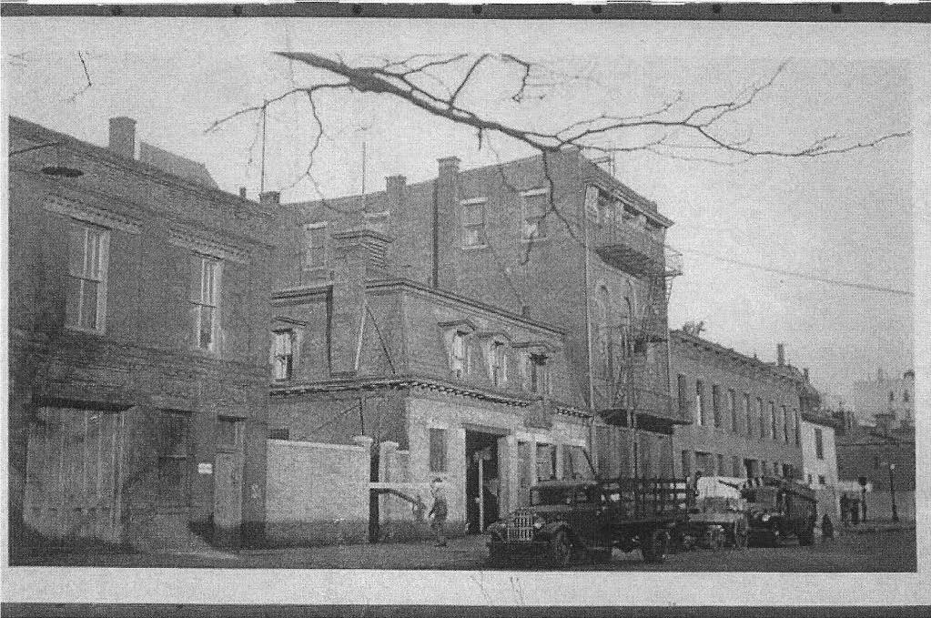 Artist Anne Peabody, Clinton Hill Brooklyn carriage house, historic brooklyn house, carriage house