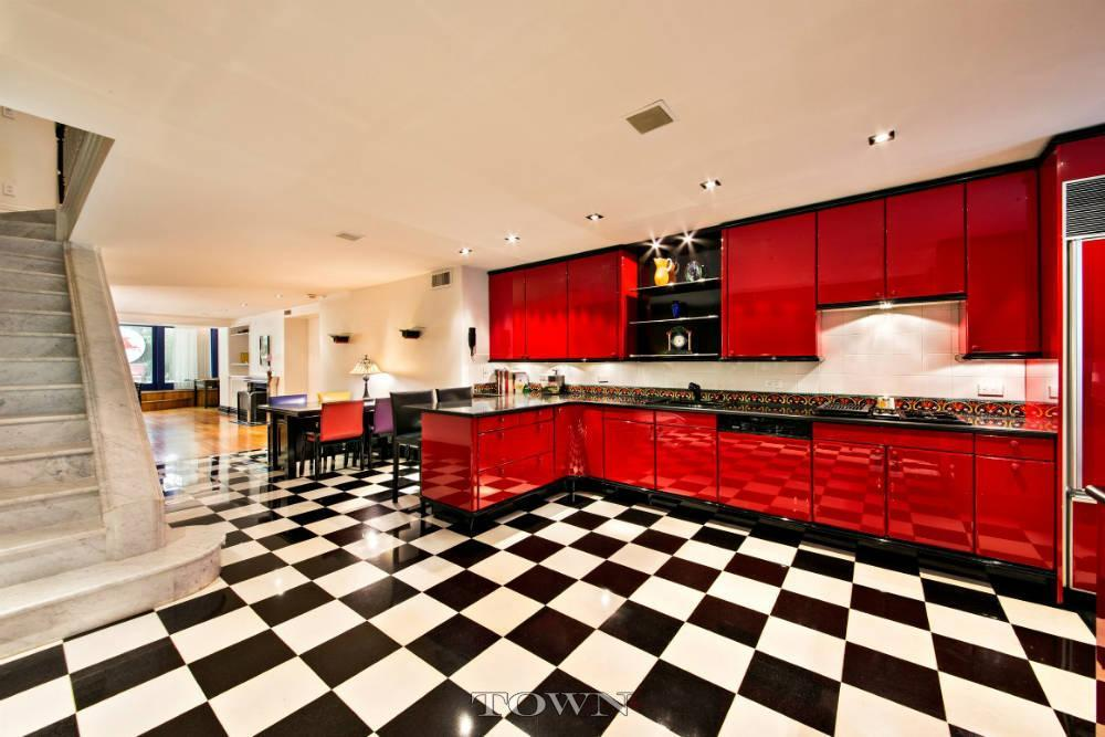 Marilyn monroe and milton greene conspired in this ues for Upper east side townhouse for rent