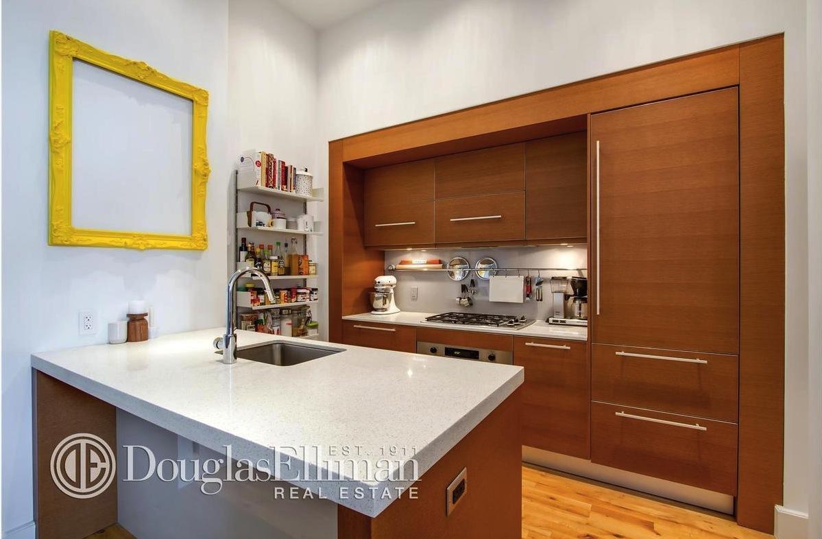 360 Furman Street, 1 Brooklyn Bridge Park, kitchen, condo